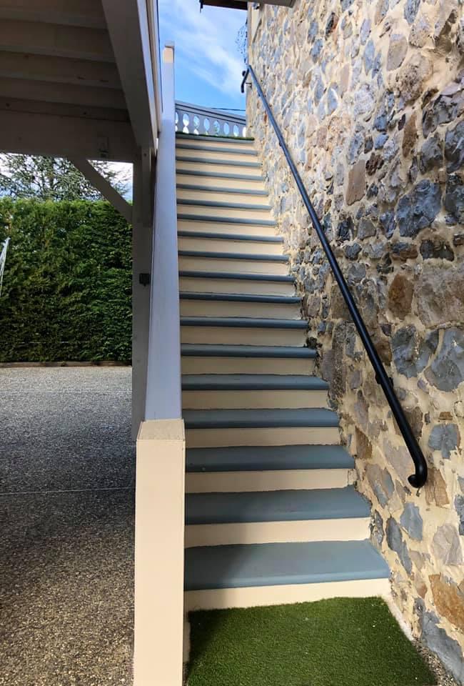 Gîte du Granier - escalier extérieur